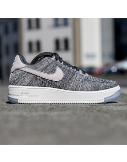 NIKE W AIR FORCE 1 FLYKNIT LOW (Midnight fog/Silt red – ivory) – 820256008