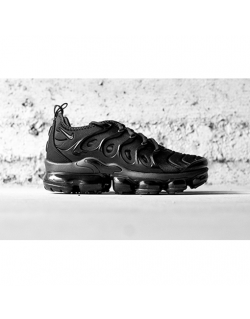 NIKE AIR VAPORMAX PLUS – BLACK/BLACK-DARK GREY – 924453 004