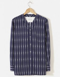 UNIVERSAL WORKS – V Neck Shirt In Navy Congo Stripe
