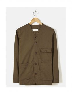 UNIVERSAL WORKS – CABIN JACKET IN OLIVE TWILL