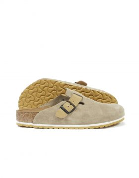 UNIVERSAL WORKS X BIRKENSTOCK – BOSTON in Taupe/Sand Suede