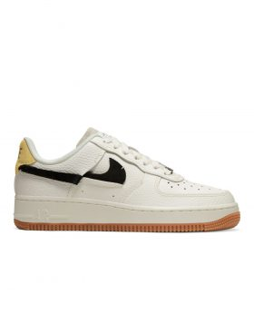 NIKE – Air Force 1 '07 LXX Woman (Sail/Black-Chrome Yellow-White)