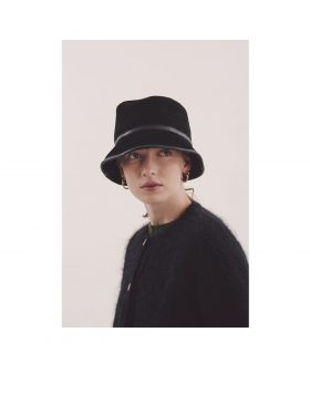 You Must Create – Sheepskin Bucket Hat Woman (Black)