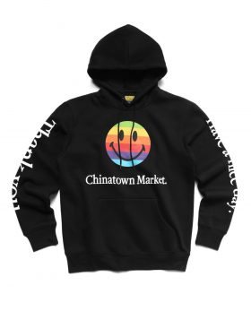 CHINATOWN MARKET – Smiley Apple Hoodie (Black)